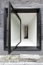 pivot door graux baeyens architecten