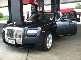 roll royce panda spotted this rolls royce at a gas station cars