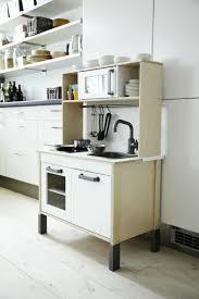 ikea duktig k che ikea fan favorite duktig mini kitchen this pint size kitchenette