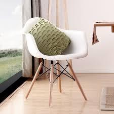 chaises design salle manger design moderne à manger fauteuil en plastique et bois à manger
