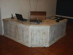 Plywood Reception Desk Pallet Reception Desk And A Table 101 Pallets