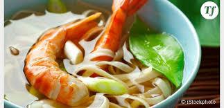 cuisine chinoise facile chinoise rapide et facile la soupe de nouilles aux crevettes