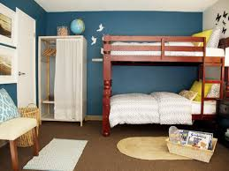 bed minimalistic bedroom