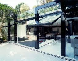 design garagen fertig garage für einen maserati luxuriöses glasgebäude