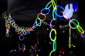 glow party glow necklaces as glowing party decorations activedark