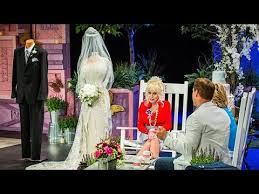 dolly parton wedding dress country superstar dolly parton on 50th wedding anniversary