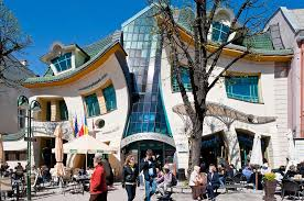 Crooked House Omg This Crooked House In Poland Will Melt Your Mind The Coverage