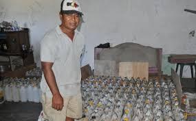 Minyak Tanah Per Liter wuih harga minyak tanah di mbay tembus rp 7 000 per liter pos kupang