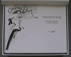 the makeup museum couture monday dior tailleur bar again