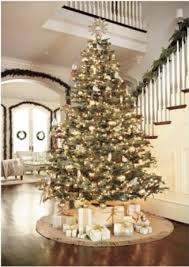 Christmas Tree With Gold Decorations White And Gold Christmas Tree Decorations Put Giant Tree In Entry