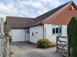 Beach House Park Worthing Holiday Cottages To Rent In Bognor Regis Cottages Com