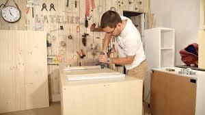 fabriquer cuisine diy fabriquer un îlot de cuisine avec des meubles ikea sur