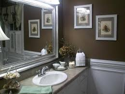 wall decor for bathroom ideas inexpensive ways to decorate your guest bathroom gruporo salia de