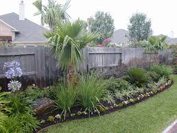 ideas to build a simple backyard landscaping with one medium size