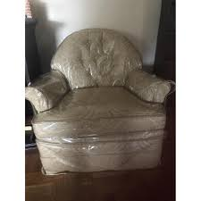 cream color accent chairs aptdeco