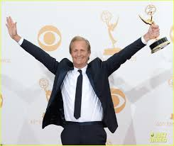jeff daniels wins first major award at emmys 2013 photo 2958381