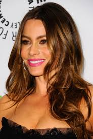 19 ways to style long wavy hair sofia vergara hair color sofia