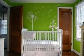 chambre enfant en vert pour une atmosphère