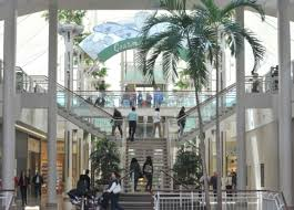 malls say they want to open most holidays toronto