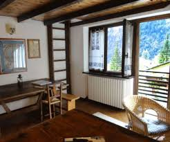 courmayeur appartamenti appartamenti centro in vendita a courmayeur cambiocasa it
