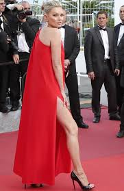 kate moss pulls an angelina jolie on the red carpet at the cannes