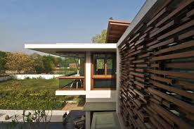 courtyard house by hiren patel architects courtyard house