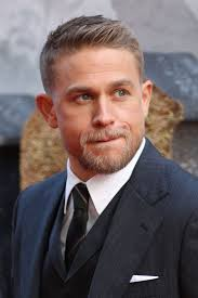 how to get thecharlie hunnam haircut best 25 charlie hunnam haircut ideas on pinterest jax teller