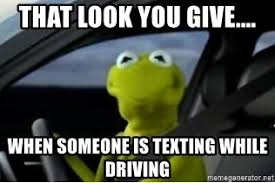 Texting And Driving Meme - kermit texting and driving meme mne vse pohuj