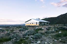 Style House Gallery Of Reflective Ranch Style House Captures The American West