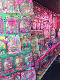 SHOPKINS GOLDENWEST SWAPMEET LROW 6 Games & Toys in Huntington