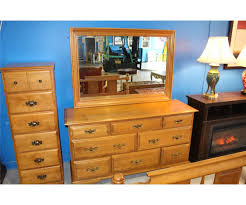 roxton made in canada solid maple 5pc bedroom suite 8 drawer image 1 roxton made in canada solid maple 5pc bedroom suite 8 drawer dresser