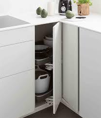 meubles angle cuisine meubles de cuisine comment aménager un angle mobalpa