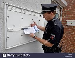 isernhagen germany 18th apr 2016 police commissioner bastian