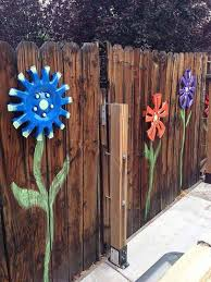 Backyard Fence Decorating Ideas Get Creative With These 23 Fence Decorating Ideas And Transform
