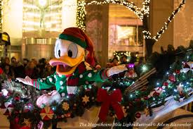 magnificent mile lights festival 2017 the magnificent mile lights festival 10 tips for a day of family fun