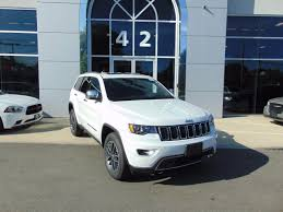 2018 jeep grand cherokee overland in bright white clearcoat for