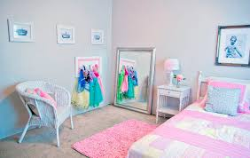 disney princess bedroom decor little girls bedroom ideas disney rental princess room perfect
