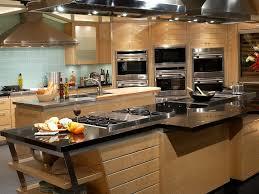 modern kitchen restaurant kitchen large kitchen appliances and 32 large restaurant kitchen