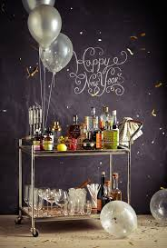 New Years Eve Table Decorations Ideas by 8 New Year U0027s Eve Party Essentials