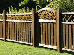 cloture jardin bois choisir une clôture de jardin appropriée à votre propriété