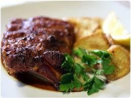 cuisiner travers de porc travers de porc au four à la portugaise recette ptitchef