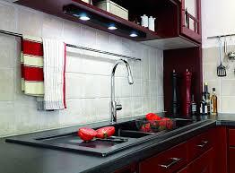 cuisine pratique et facile quel matériau pour la crédence galerie photos d article 4 4
