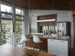 cuisine moderne bois cuisine moderne en bois et blanc maisons la prise photo n 65