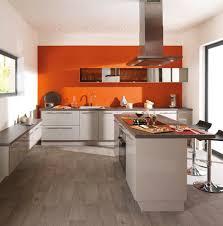 couleur murs cuisine avec meubles blancs cuisine blanche mur framboise free cuisine blanche mur taupe