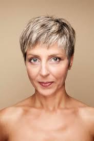 coupe de cheveux court femme 40 ans coiffure femme 40 ans informations conseils et photos