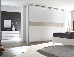 chambre contemporaine blanche chambre blanche et bois affordable pittoresque chambre blanche