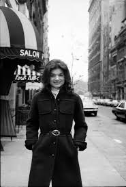 jaqueline kennedy unknown jacqueline kennedy mrs onassis on the streets