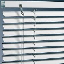 wood or aluminium venetian blinds importance of choosing the one