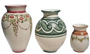 foto vasi vasi floreali in maiolica di varie dimensioni