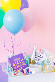 ballons in a box diy birthday in a box for your bff
